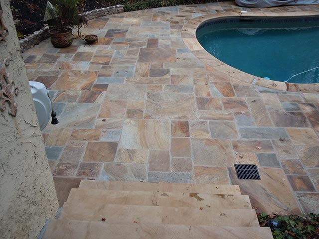 Natural cleft flooring pattern pool stone - Silvara Stone