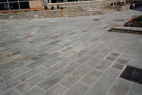 Gray Natural Cleft Flooring - Silvara Stone